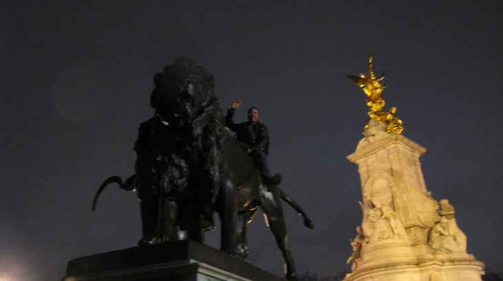 Near the Buckingham Palace