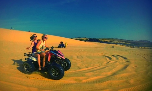 Lucy and Shantai cruisin' through the dunes.