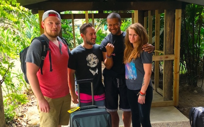 How I Avoided a Complete Disaster of Traveling With My Non-Traveling Friends